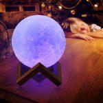 mesec lampa plava